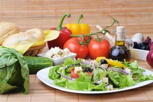 Salat mit frischem Gemüse foto