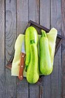 rohe Zucchini foto