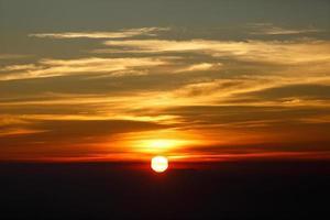 Sonnenaufgang, Sonnenuntergang Himmel Hintergrund. foto