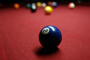 Billardtisch, zwei Ball foto