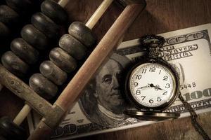 Zeit ist Geld, Farbe im Vintage-Stil.