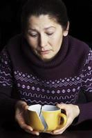 traurige ältere Frau foto
