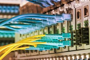 Technologiezentrum mit Glasfaserausrüstung