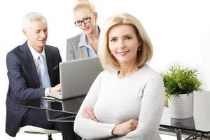 attraktive Senior Geschäftsfrau foto