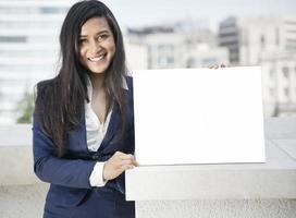 schöne indische Geschäftsfrau