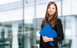 selbstbewusstes Porträt der Geschäftsfrau foto