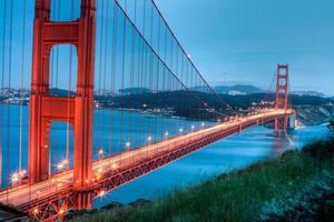 das goldene Tor in der Abenddämmerung