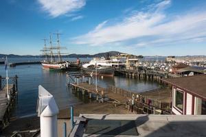 die Pfeiler in der Bucht von San Francisco foto