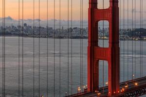 San Francisco bei Sonnenaufgang, Kalifornien foto