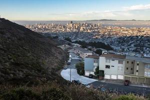 Zwillingsgipfel und Innenstadt von San Francisco foto