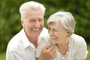 älteres Paar verliebt foto