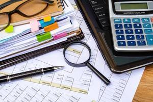 Geschäftsfinanzbuchhaltung berechnen foto