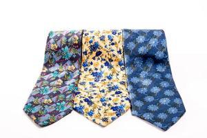 drei Krawatten