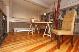 rekonstruiertes Zwischengeschoss Büro. foto