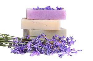 handgemachte Seifen und Lavendel foto