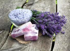 Lavendel Meersalz und Seife foto