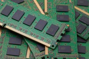 Stapel von grünen RAM-Computer foto