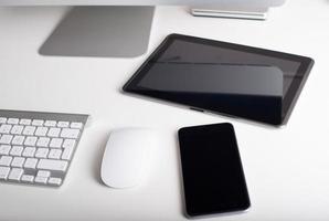 drahtlose Tastatur, Maus, Tablet und Smartphone
