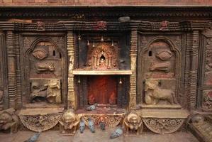 Bronzegöttin am Hindu-Tempel in Nepal.