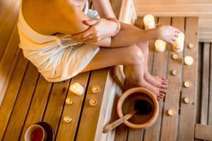 Frau in der Sauna foto