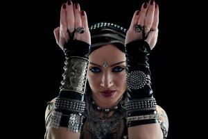 orientalische Bauchtänzerin foto