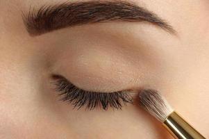 bilden. Augenbrauen Make-up.