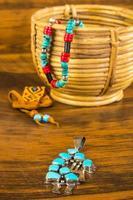 Kokopelli mit traditionellem und kulturellem Schmuck