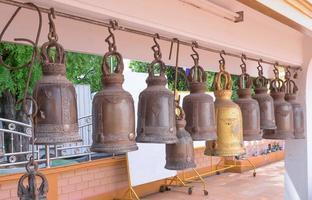 Glocken in einem buddhistischen Tempel