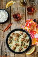marokkanische Zitronen-Kardamom-Fleischbällchen mit Reis