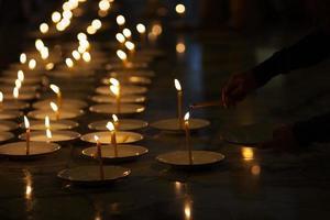 Kerzen des Glaubens foto