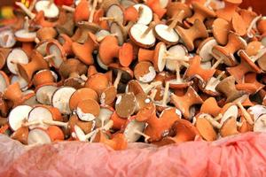 viele Tempelgebete bieten Kerzen an foto