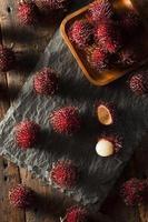 frischer tropischer Bio-Rambutan foto