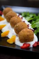 Reiskroketten mit Obst und Gemüse foto