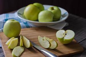 Gruppe von Äpfeln foto