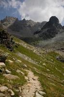 Wandern in den Alpen foto