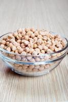 getrocknete Kichererbsen, Hülsenfrüchte, in einer Schüssel foto