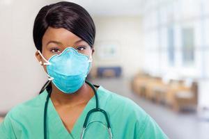Krankenschwester mit Maske foto