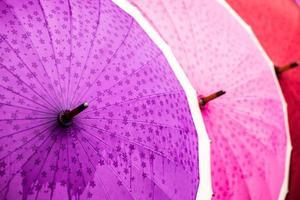 traditionelle asiatische Regenschirme foto