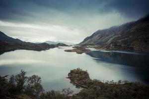 Lofoten Norwegen Meerblick Tal mit kleinen Inseln 2