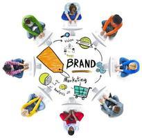 verschiedene Menschen Computer Network Marketing Markenkonzept foto