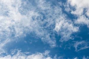 Flug in den Wolken foto