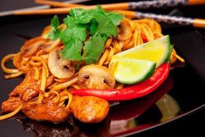 asiatische Nudeln foto