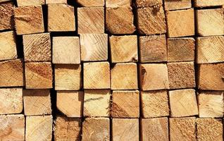 Holzbretter in einem Lagerhaus