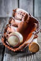 eingestellt, um Baseball zu spielen foto
