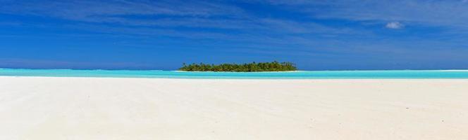 xl Panoramablick auf ein Pazifikatoll foto