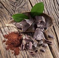 Schokolade und Kakaobohne. foto