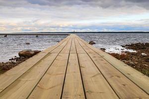 Steg am Wasser auf Faro in Gotland, Schweden