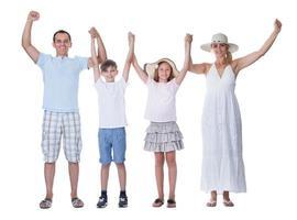 glückliche Familie in den Urlaub fahren foto