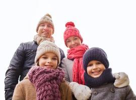 glückliche Familie im Freien foto
