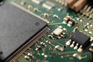 Elektronikplatine mit Komponenten. foto